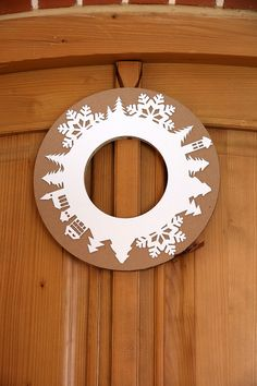 Imagination has no limits - Christmas wreath marks Unlimited design is made of cardboard, for CZK Fler GB Christmas Tree Wreath, Winter Christmas, Christmas Time, Christmas Crafts, Merry Christmas, Christmas Decorations, Xmas, Crafts For Kids, Arts And Crafts