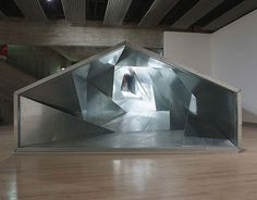 http://www.pleatfarm.com/wp-content/uploads/2009/09/life-tunnel_atelier_bowwow_3.jpg