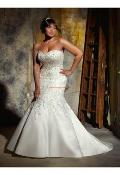 Robe de mariée grande taille satin broderie perlé