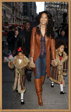 Kimora and her girls Fashion Photo, Girl Fashion, Fashion Outfits, Womens Fashion, Kimora Lee Simmons, Famous Women, Celebs, Celebrities, Jewelries