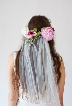 FLower crown with veil Wedding Veils, Boho Wedding, Wedding Flowers, Dream Wedding, Wedding Day, Wedding Beach, Wedding Wishes, Garden Wedding, Wedding Stuff