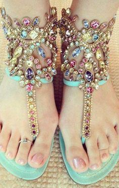 The shoes are so gorgeous, we wouldn't feel like wearing anything that goes below the knees - just to show em off! <3 #indian #wedding Beautiful Sandals, Cute Sandals, Flat Sandals, Cute Shoes, Me Too Shoes, Bling Sandals, Summer Sandals, Pretty Sandals, Shoes Sandals