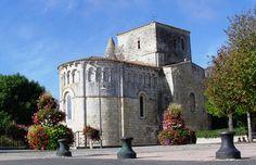 L'église St Etienne .Vaux sur Mer . Poitou-Charentes