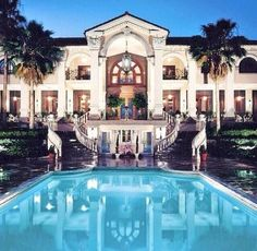 Woah. If I get to live in a house like this at some point if my life, I`ll die happy