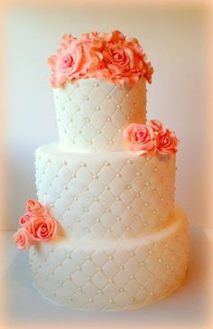Round Wedding Cakes | This would be really cute with Yellow Roses or some other kind of Yellow flower(s)