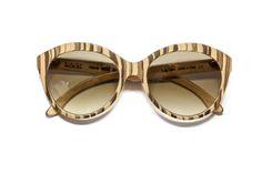 Gli #occhiali da sole sono un accessorio capace di conferire stile e personalità. Per questo è importante sceglierli con cura, per aggiungere quel tocco in più ad ogni #look. Gli occhiali da #sole Capricci, di gusto e alla moda, sono dotati di montature di legno fatte a mano, leggerissime e di alta qualità. Vero look Made in #Capri