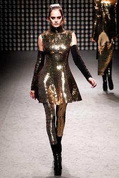 Gareth Pugh Fall 2011 Ready-to-Wear Fashion Show - Alla Kostromichova (Marilyn)