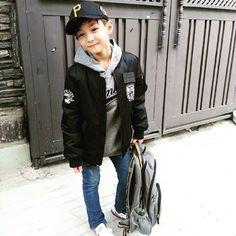 Outfits Niños, Kids Outfits, Cute Fashion, Kids Fashion, Kids Photography Boys, Asian Babies, Kids And Parenting, Kids Boys, Cute Kids