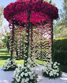 Best Garden wedding ceremony thorns ideas - Decoration For Home Wedding Mandap, Wedding Stage, Wedding Goals, Wedding Ceremony, Wedding Planning, Wedding Ideas, Trendy Wedding, Diy Wedding, Wedding Receptions