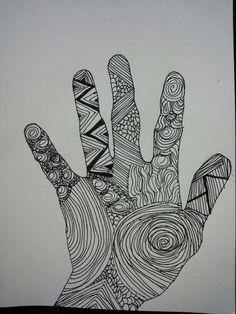 Een hand intekenen met Oost-Indische inkt: