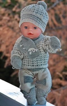 Baby born knitting pattern - Oscar by Maalfrid Gausel - (Islender) traditional fisherman sweater