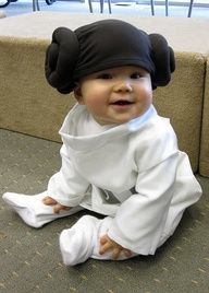 as a rule i don't post any of those diabetic-inducing baby photos - this however is the only exception, simply because someone made their baby Princess Leia. May the Force be with you, little one!