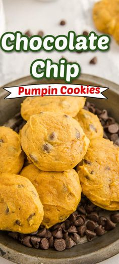 One of the most popular ways to welcome fall is to bake with pumpkin! Chocolate chip cookies are the seasons best especially when they are soft and cakey! These cookies are easy to bake and smell amazing! They never last long! Pumpkin Mac And Cheese, Pumpkin Cream Cheeses, Canned Pumpkin, Toffee Cookies, Pumpkin Chocolate Chip Cookies, Pumpkin Pie Bars, Pumpkin Pie Recipes, Easy Pumpkin Seeds, Pumpkin Fritters