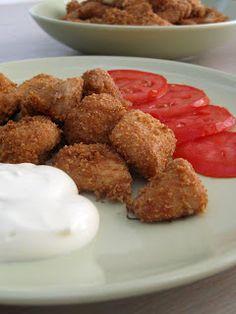 Σήμερα είχα όρεξη για κοτόπουλο... όχι όμως συνοδεία σάλτσας γιατί με τόση ζέστη θα μας έπεφτε βαρύ. Από την άλλη, κοτόπουλο χωρίς σάλτσα και νόστιμο γίνετ Chicken Bites, Greek Recipes, Main Dishes, Almond, Oven, Turkey, Lunch, Breakfast, Ethnic Recipes