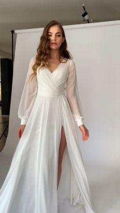 Ball Dresses, Satin Dresses, Evening Dresses, Wedding Dress Bustle, Wedding Gowns, Bridal Robes, Bridal Dresses, Lovely Dresses, Elegant Dresses