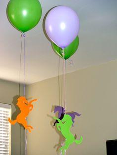 Horse cutouts on ballons