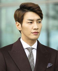 still cuts ep 16 Pinocchio 피노키오 Hong Jong Hyun, Lee Jong Suk, Korean Celebrities, Korean Actors, Celebs, Hallyu Star, Park Shin Hye, Two Men, Pinocchio
