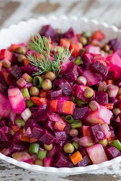 The very BEST Russian Vinegret Salad is right here. It features delicious cooked root vegetables mixed with tangy dill pickles and gree peas. This delicious and easy salad never disappoints. Healthy Vegetable Recipes, Beet Recipes, Healthy Vegetables, Vegetable Salad, Vegetable Side Dishes, Side Dishes Easy, Salad Recipes, Sauerkraut, Russian Beet Salad