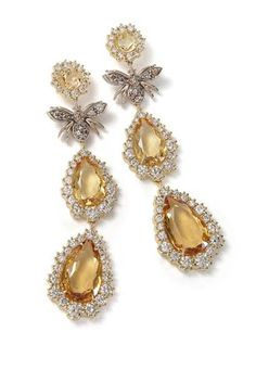 This striking pair of drop earrings in yellow gold with cognac diamonds and citrine, are topped by a bee crafted from Noble gold.