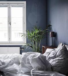 10 Dark bedroom walls - via http://cocolapinedesign.com