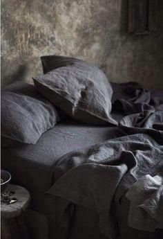 Beautiful wall & linens. Bedroom. Via tumblr.