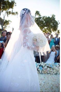 Liu Shishi in her custom Carven #wedding gown