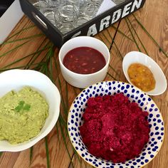 Homade appetizers and sauces: Beetroot with roasted Cashews, Guacamole, Plum-Chutney, Mango-Chutney.