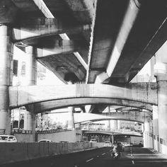 #autopista #automobile #automovil #autos #blancoynegro #fotoenblancoynegro #mexicoandando #highway #blackandwhitephotography #blackandwhite #mexicomagico #instatraveling #traveladdict #travelgram #ig_photo #ig_viajeros #ig_autoshow #ig_mexico #cars #periferico #callesdemexico #streetsofmexico #viajar #andandoporahi #urbanlife #urbano #citylife #vidadeciudad #ciudaddemexico #cdmx  #Autos #Beauty #Books #Funny #Finance #Food #Games #Health #News #Pets #Sport #Soccer #Travel #FunnyGifs…