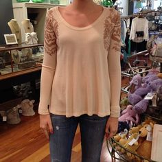 FREE People.  #cotton #wafflet #freepeople #comfortiskey #shoplocal #shopsmall #shopjuxtapose #Padgram