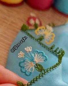 Crochet Disney, Crochet Lace Edging, Needle Lace, Bargello, Baby Knitting Patterns, Blouse Designs, Needlework, Model, Instagram