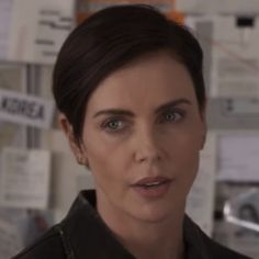 Cut And Style, Cut And Color, Charlize Theron Short Hair, Story Instagram, Netflix, Short Styles, Pixie Haircut, Hair Today, Beautiful Actresses