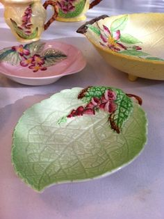 New in store: whimsically pretty, green Carlton ware foxglove jam/pin dish. So sweet! Vintage Dishes, Vintage China, Vintage Tea, Carlton Ware, Mad Hatter Tea, Shabby Chic Kitchen, Tea Service, Retro Home, Dinnerware