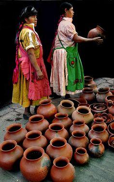 Vendedoras de ceramica by Norma Gladys Guastavino, via Flickr