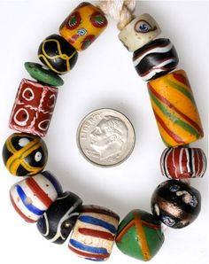 ¤ Matched Venetian beads, great condition #6123 Average size: 11 x 14m Date: Mid to late 1800s - Price: $100.00