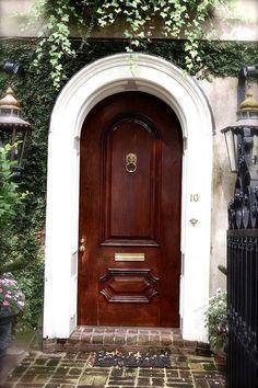 Beautiful home entry. Labor Junction / Home Improvement / Doorways / www.laborjunction.com
