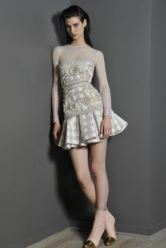I can't stop staring at this Balmain dress. Things I would do to own this...it's not even funny. #todiefor