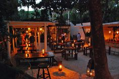 Hartwood – have to wait in line early in the day to get reservations but actuall… – Rooftop Garden Cafe Shop, Cafe Bar, Rum Shop, Outdoor Cafe, Outdoor Living, Outdoor Restaurant Design, Tulum Restaurants, Wood Cafe, Food Park