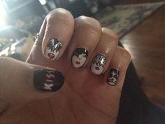 the band kiss inspired nails! nails-clothes-fashion-etc Kiss Nails, Hot Nails, Hair And Nails, Concert Nails, Kiss Concert, Los Kiss, Band Nails, Nails Only, Kiss Band