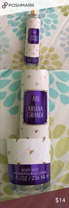 Ari by Ariana Grande body mist Nwt! Ari by Ariana Grande body mist , brume pour le corps. 8 FL oz. A sweet scent. Ariana Grande Makeup