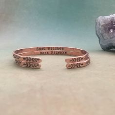 Gifts For Her – How to Really Impress Women on Any Budget – Gift Ideas Anywhere Romantic Gifts For Girlfriend, Presents For Girlfriend, Romantic Gifts For Her, Diy Gifts For Boyfriend, Birthday Gifts For Best Friend, Best Friend Gifts, Gifts For Friends, Trending Christmas Gifts, Bracelet Quotes