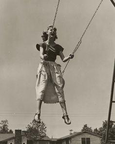 Chic swinging