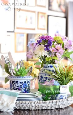 Beautiful spring tray vignette. Love the mix of florals with blue and white pieces!
