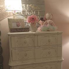 Old White painted dresser for little girls room / The Shabby Bee
