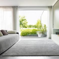 Featuring a hand-tufted appearance, the Sherpa rug is available in three colours: from white to greys, as well as two sizes. This simple, yet elegant rug is the ideal accessory to create a warm feel this winter – not only for your home, but also for your feet. Grey And White Rug, Dark Grey Rug, Black Rug, Rug Texture, Gold Rug, Home Additions, Red Rugs, Pink Rug, Modern Rugs