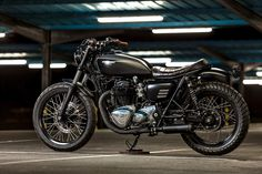 Spanish Style: Kawasaki W650 by Macco Motors'. - Bike EXIF