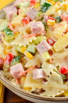This easy Low Syn Hawaiian Pasta Salad is the perfect dish for barbecues, picnics and lunches. Slimming World and Weight Watchers friendly Slimming World Pasta, Slimming Eats, Slimming World Recipes, Ham Pasta, Pasta Dishes, Macaroni Salad, Hawaiian Tuna Recipe, Cooking Recipes, Healthy Recipes