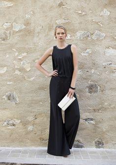 Look total Black. Calça Pantalona preta verão 2016 Romariabh. #romariabh #calçapantalona #trend #totalblack #verão2016 #clothes #fashion #summercollection #fashionwoman