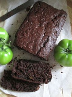 Hot and Cold Running Mom - Just my Stuff: Chocolate and Green Tomato Bread { Great! Used green (& white tomatoes) blended up (not strained) and the taste was very faint and deliciously moist. Baking Recipes, My Recipes, Cake Recipes, Dessert Recipes, Favorite Recipes, Pork Recipes, Bread Recipes, Just Desserts, Delicious Desserts