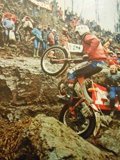 Giles burgat Motos Trial, Trial Bike, Vintage Motocross, Bmw, Trail Riding, Dirt Bikes, Trials, Cars And Motorcycles, Motorbikes