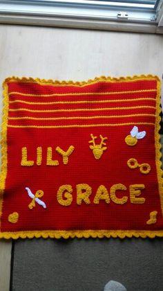 Gehäkelte Baby Decke mit Harry Potter Symbolen - zwei Monate Arbeit, die sich gelohnt haben :)